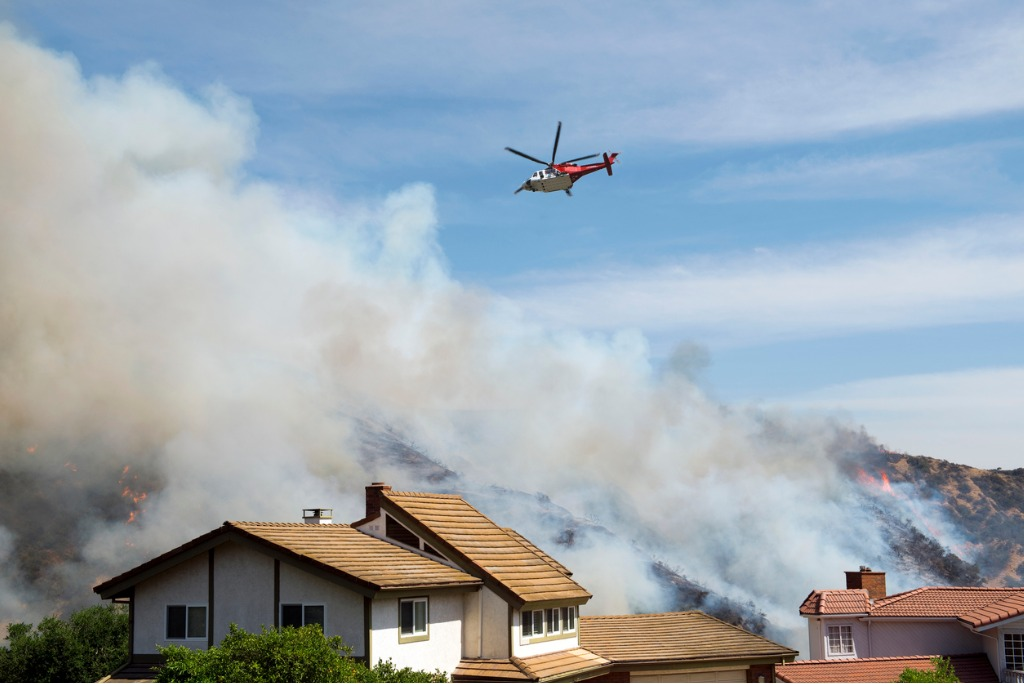 fire-helicopter-picture-iStock-id181857057
